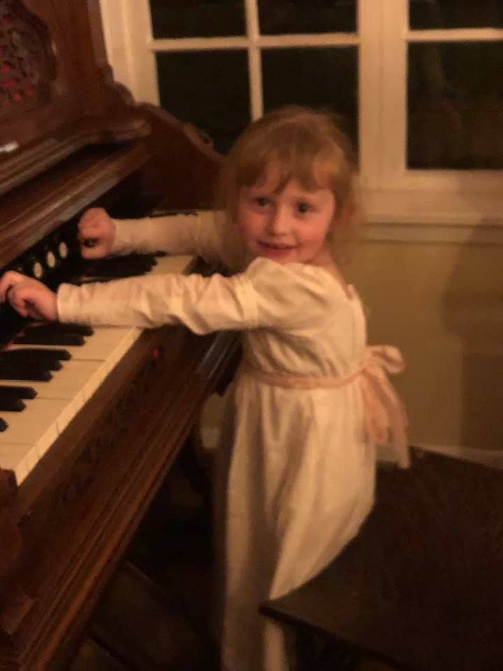 annelise at keyboard